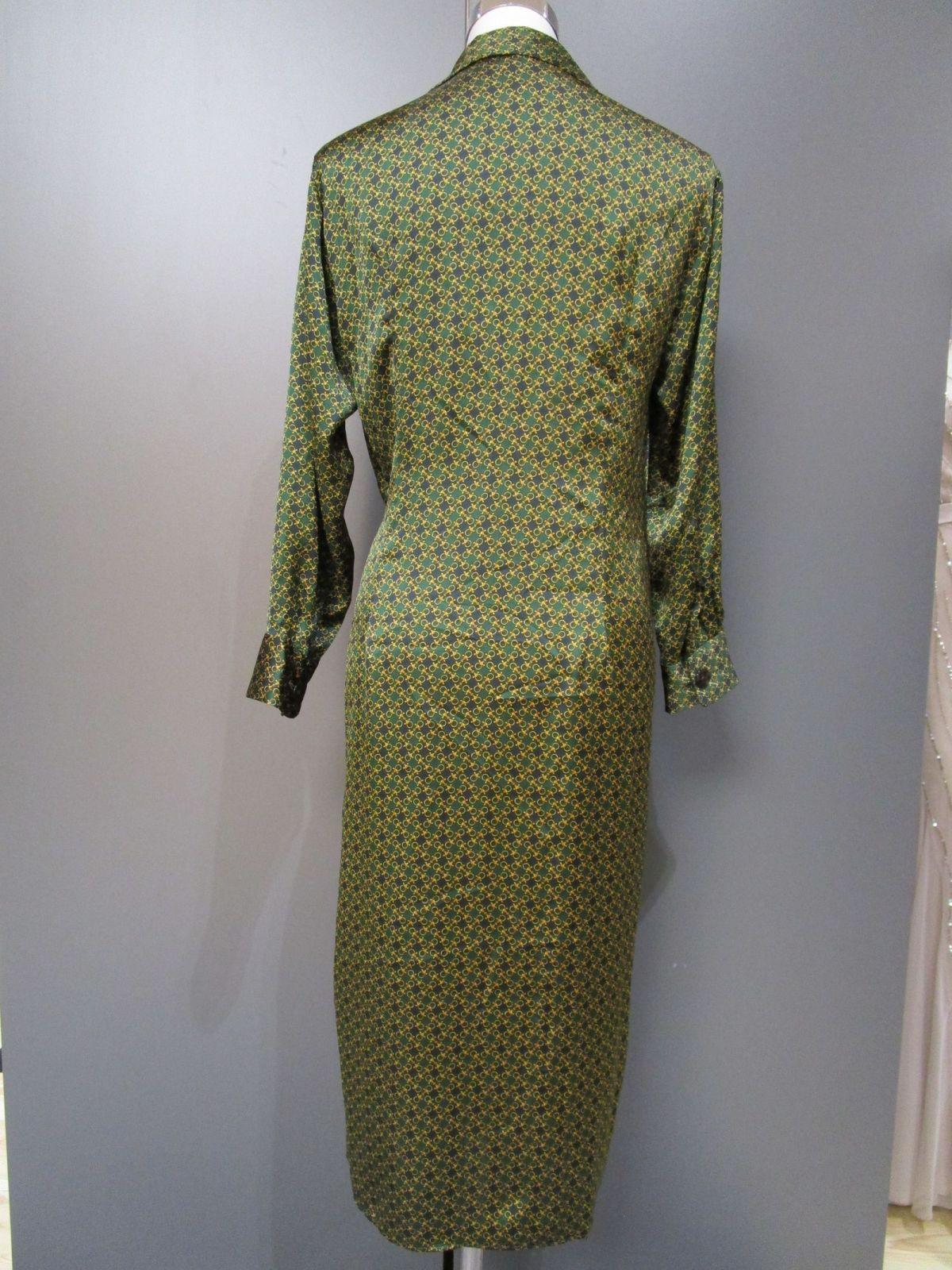 Zara Woman Kleid Langarm Vausschnitt Grüngold Grm