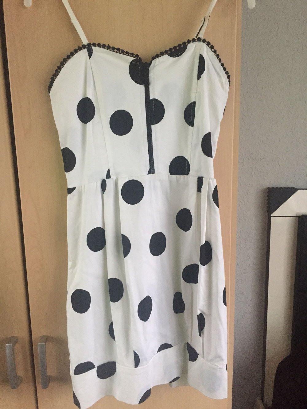 Zara Women  Zara Super Süßes Kleid Mit Schwarzen Punkten