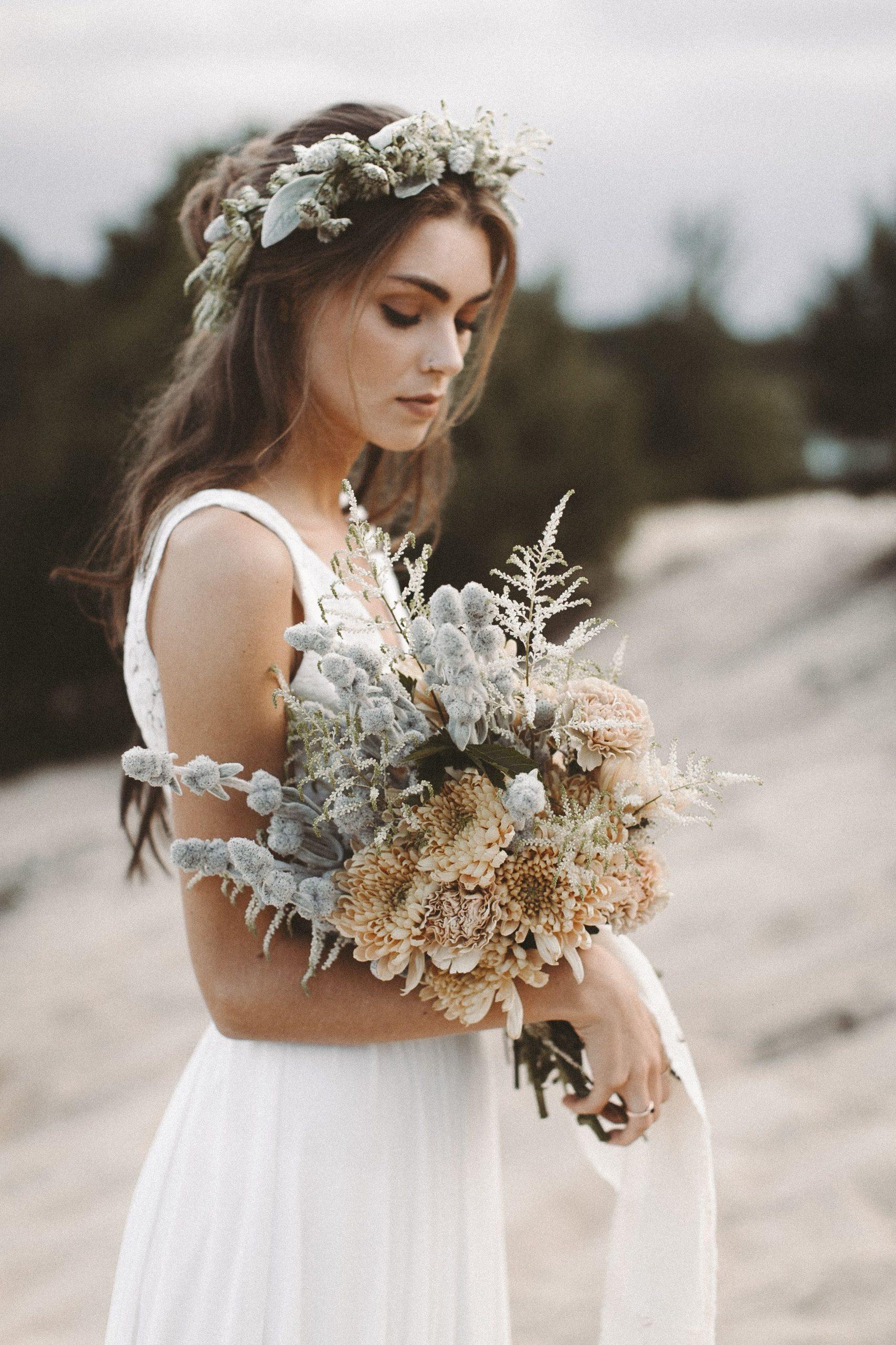 Zweiteiler Brautkleid Aus Spitze Boho Blumenkranz Vintage