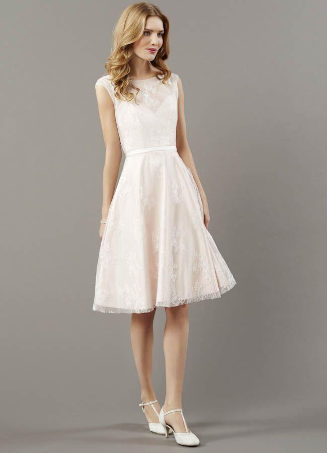 Pin Von Gorgeous Women Auf Short Wedding Dress  Kleid